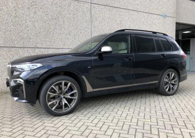 BMW X7 Voorportieren en voorruit FG70 vanaf Bstijl Privacy Glass